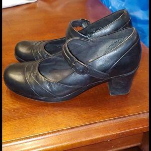 Clarks leather heels